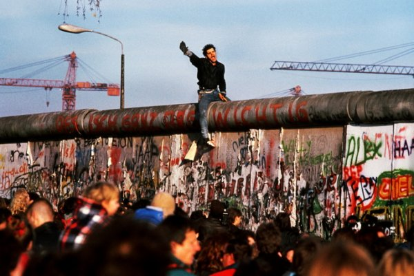 Падение Берлинской стены, 1989