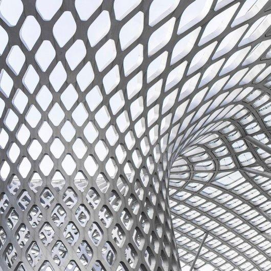 Архитектурные фото с черно-белым узором
