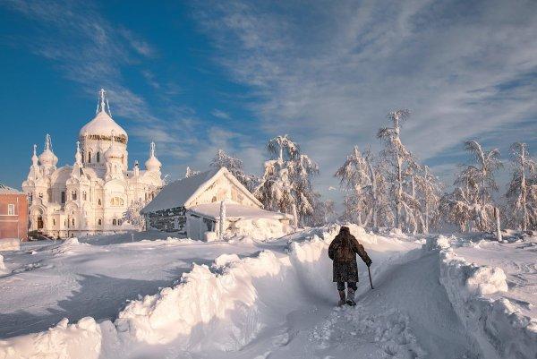Владимир Чуприков - Сквозь заносы снежные