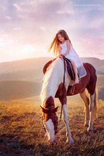 На волшебной лошадке. Автор фото: Джанета Камская
