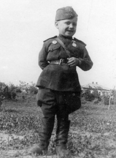Рядовой Серёженька - 6-летний солдат Великой Отечественной войны. ..!!!