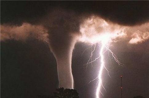 фото тайфуна и урагана 6