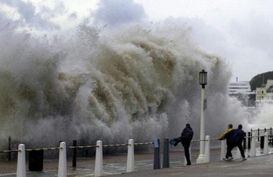 фото тайфуна и урагана 14