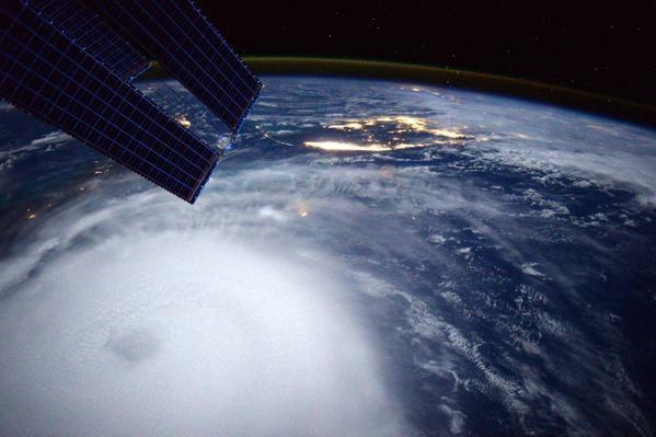 фото тайфуна и урагана 34