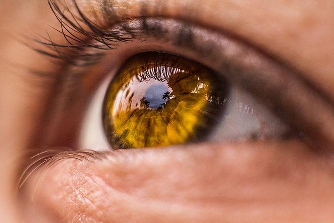 Как фотографировать глаза ярко?