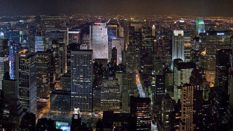 Как фотографировать город сквозь стекло?