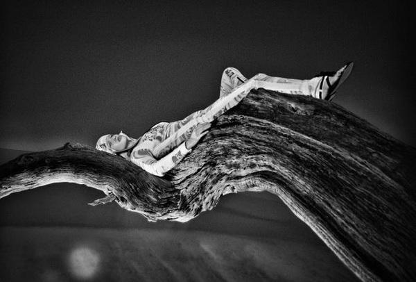 Стивен Лион: модельная фотосессия в знойных условиях. - №7