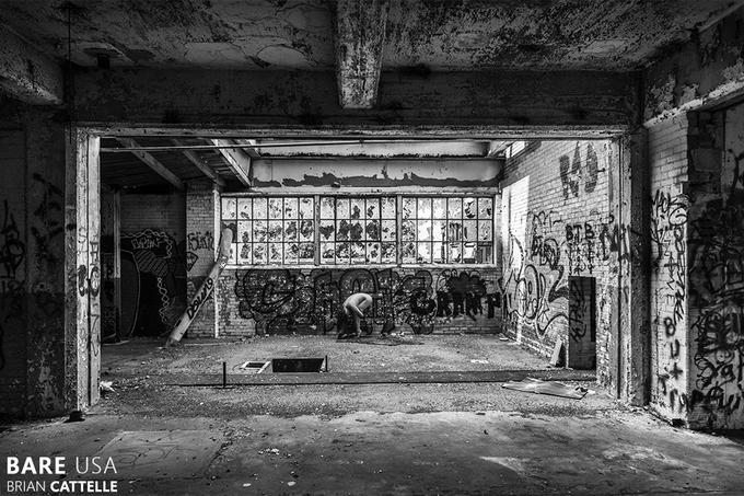 Bare USA: модели в заброшенных местах - №22