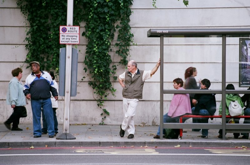 Автобусные остановки фотографа Richard Hooker - №9