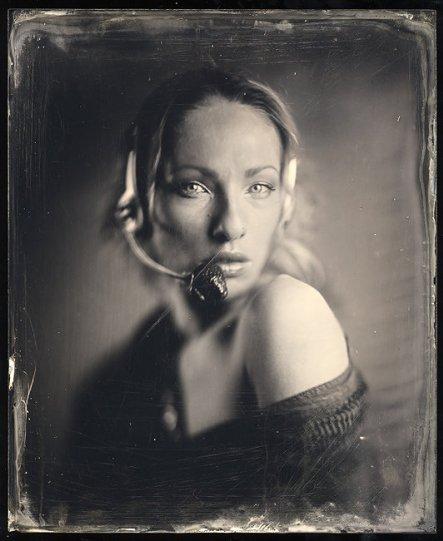 Амбротипия. Удивительные фотографии Миши Бурлацкого. - №9