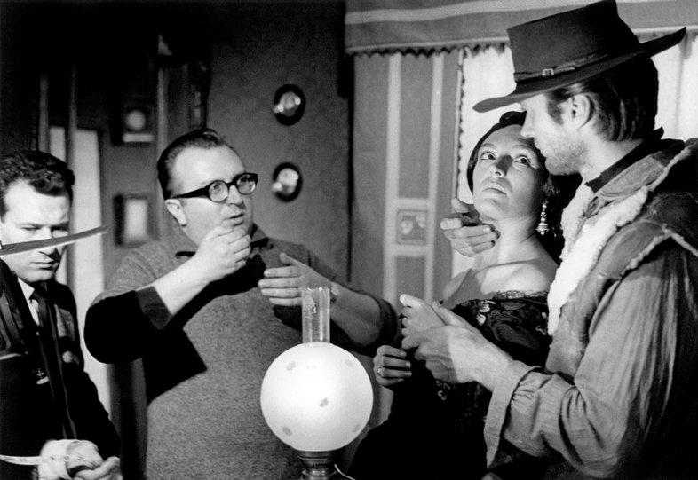 """Серджио Леоне и Клинт Иствуд на съёмках """"Хороший, плохой, злой"""""""
