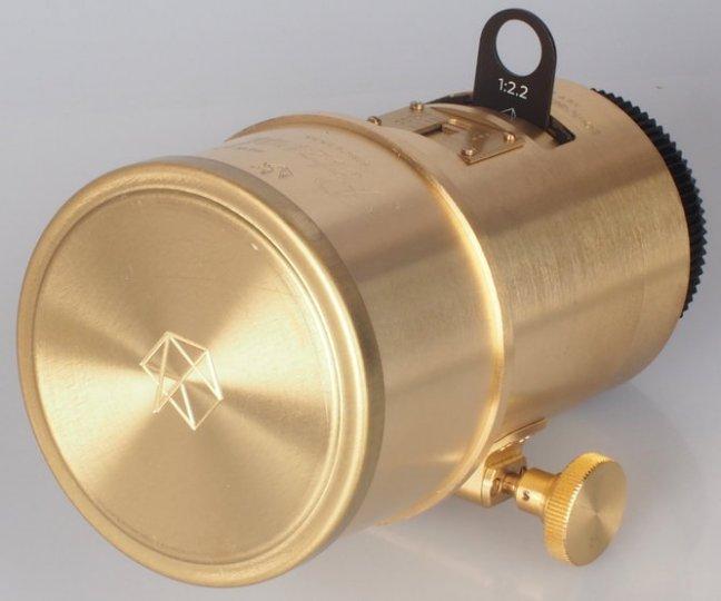 Производитель - Lomography Крепления объектива - Canon и Nikon F Фокусное расстояние - 85 мм Угол изображения - 30 ° Максимальная диафрагма - f/2.2 Мин Диафрагма - f/16 Размер фильтра - 58 мм Эквивалент - 35 Фокусировка минимальный фокус - 100 см