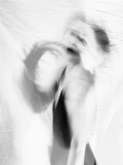 Загадочные образы в фотографиях Аты Пташич - №17
