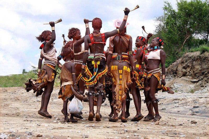Ритуальный танец племени хамер, Эфиопия