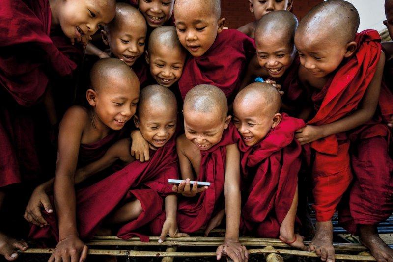 Автор фото: Гунарто Гунаван (Gunarto Gunawan).  Місце зйомки: монастир Шве Гу, Баган, М'янма.