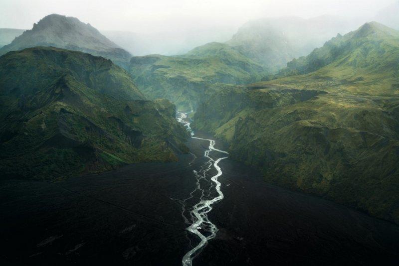 Автор фото: Витольд Зиомек (Witold Ziomek). Место съёмки: долина Торсмёрк, Исландия.