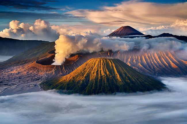 «Красота горы Бром». Чжо Вин Хлаин, Индонезия