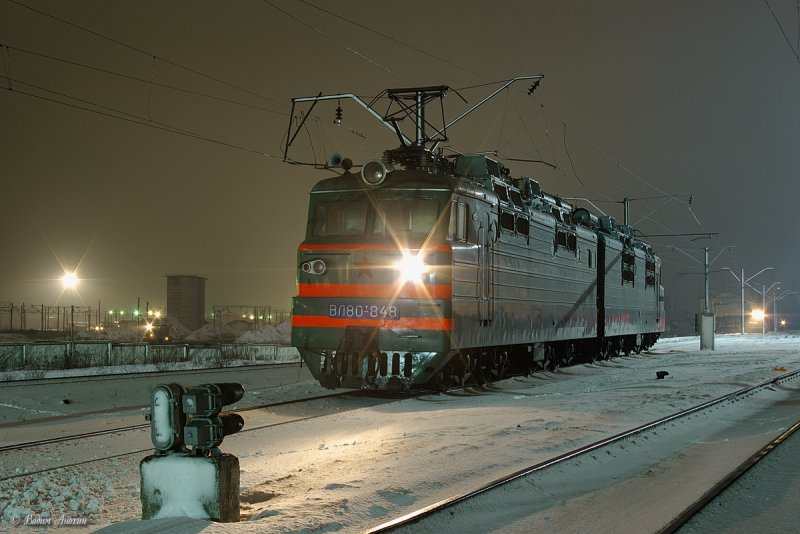 Electric locomotive VL80T-828 (Электровоз ВЛ80Т-82