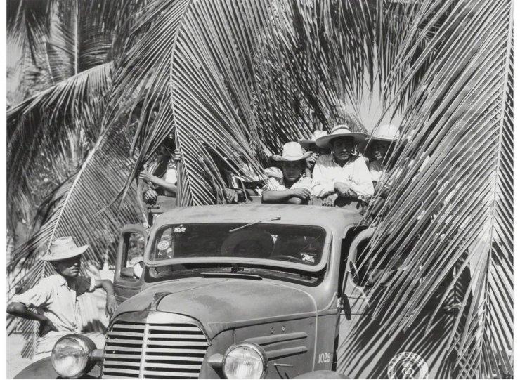 Мексика в фотографиях Мануэля Альвареса Браво - №4