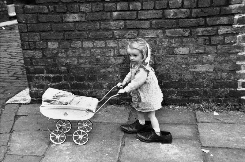 Фотографии Ширли Бейкер 1960-х годов - №10
