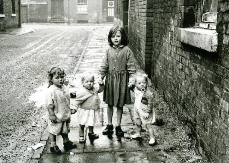 Фотографии Ширли Бейкер 1960-х годов - №22