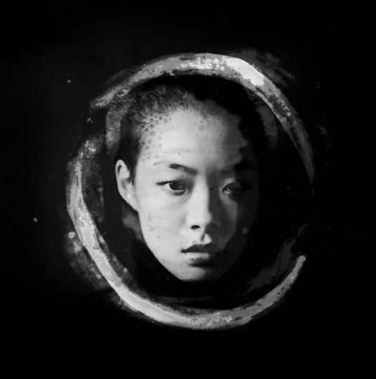 Потрясающие чёрно-белые портреты - №13