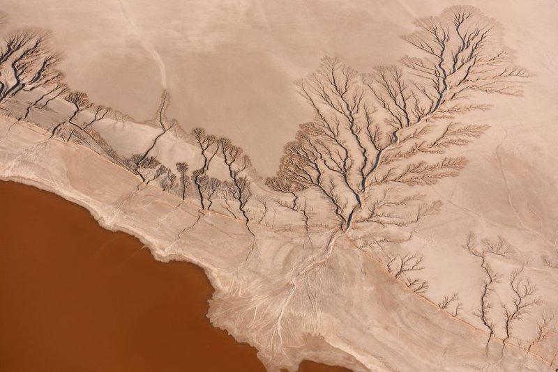 Озеро Коэн в пустыне Мохаве, Калифорния. Снято с высоты 457 метров.