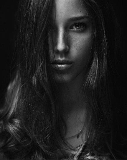 Женская красота в работах Захара Райза - №12