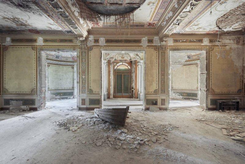 Заброшенные дворцы Европы - №3