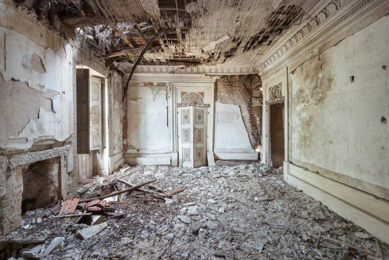 Заброшенные дворцы Европы - №6