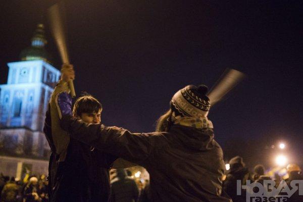 Новости в фотографиях - Украина. ЕвроМайдан 2013 - №1