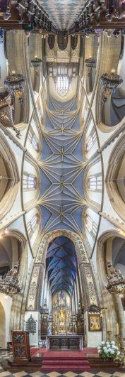 Головокружительные вертикальные фото панорамы церквей - №6
