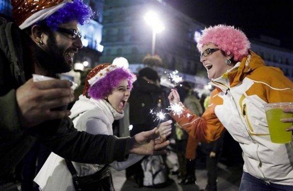 Празднование Нового Года - красивые фото из разных стран - №3
