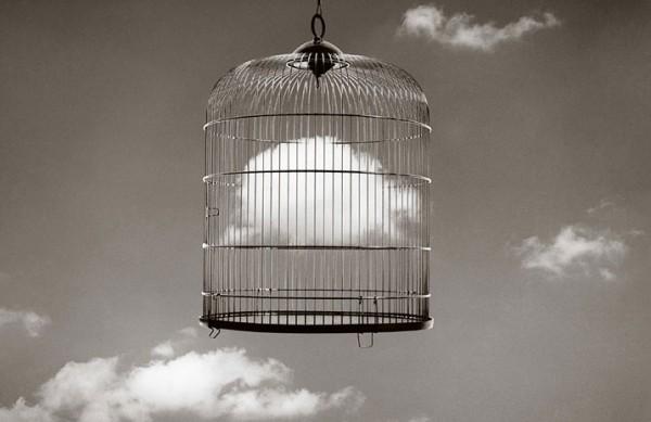 Чема Мадоза. Жанр сюрреализма в черно-белых фото - №2