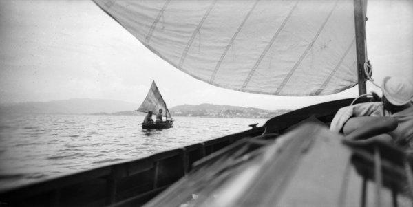 Жак-Анри Лартиг. Пьер, Вера и Арлет. В сторону островов, Канны, май 1927. © Ministère de la Culture-France/AAJHL