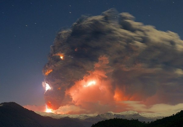 Удачные кадры - Извержение разгневанного вулкана Кордон-Каулле, Чили. © Rival Gustavo