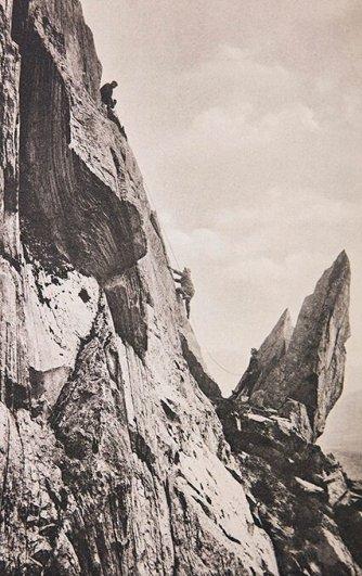 Смертельные фотографии были сделаны на некоторых из самых высоких вершин в Великобритании.