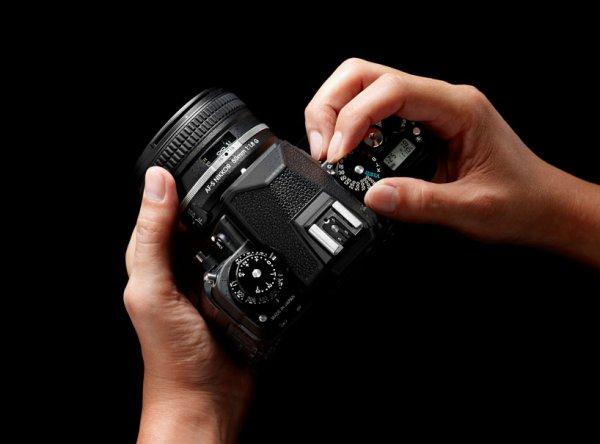 цифровая зеркальная камера