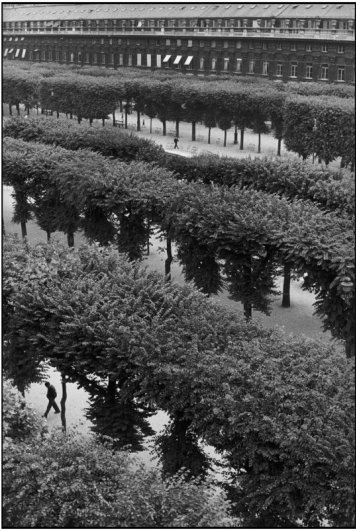 Сады Пале-Рояль, 1959 г. Уличные фото