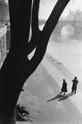 Марк Рибу. Набережная Тюильри. Париж, 1953. © Marc Riboud